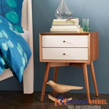Meja Kecil Disamping Tempat Tidur