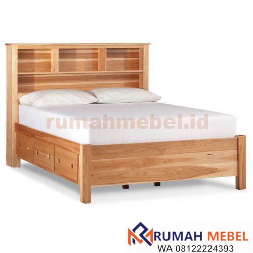 Tempat Tidur Berlaci
