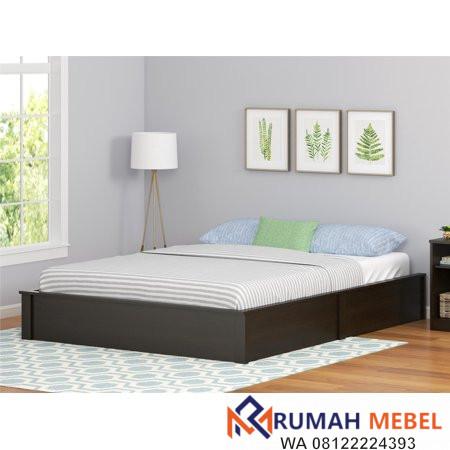 Tempat Tidur Kayu Sederhana