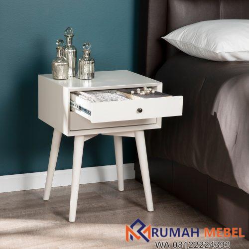 Meja Samping Tempat Tidur Dengan Laci