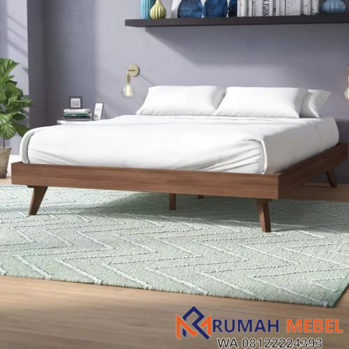 Tempat tidur yang terbuat dari kayu